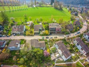 Immobilien, die an einen Hang gebaut sind, kommen ohne Luftaufnahmen nicht zur Geltung.